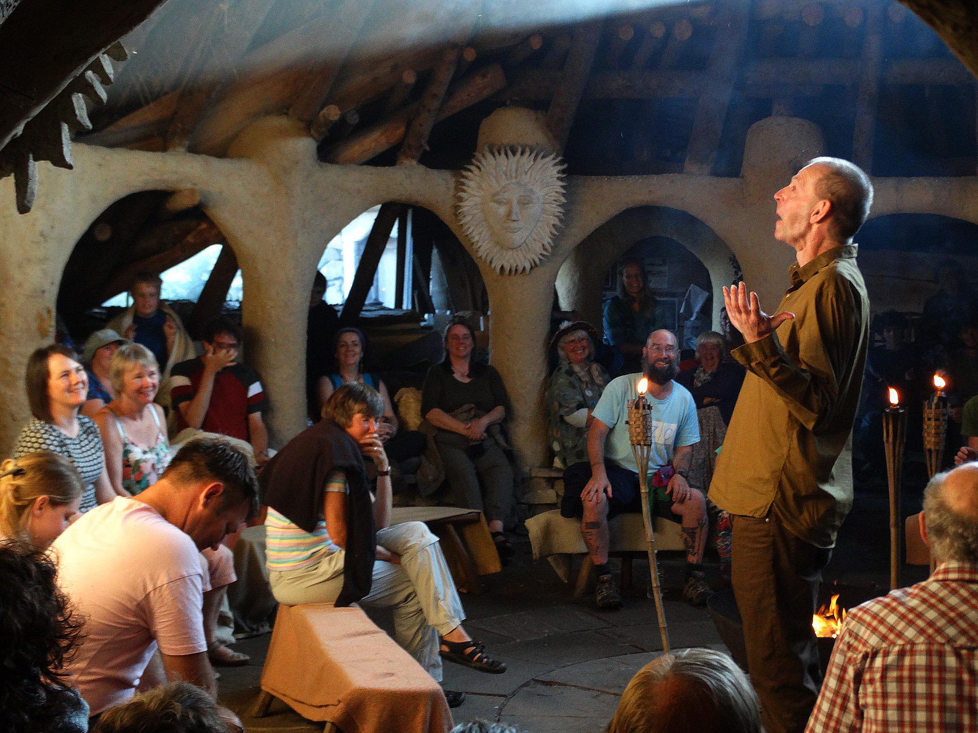 2021-08-22 daniel mordon verteller Tales from Wales